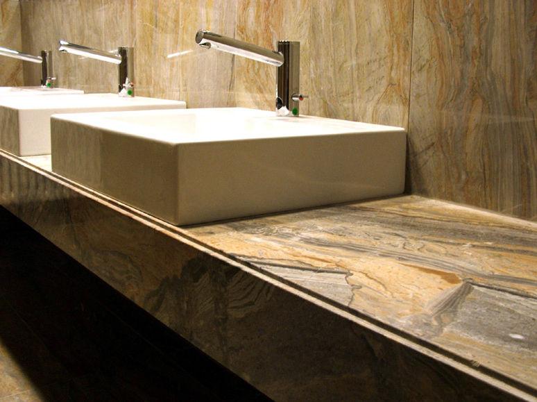Pavimentos y revestimientos para ba os belapiedra for Colores de marmol para banos