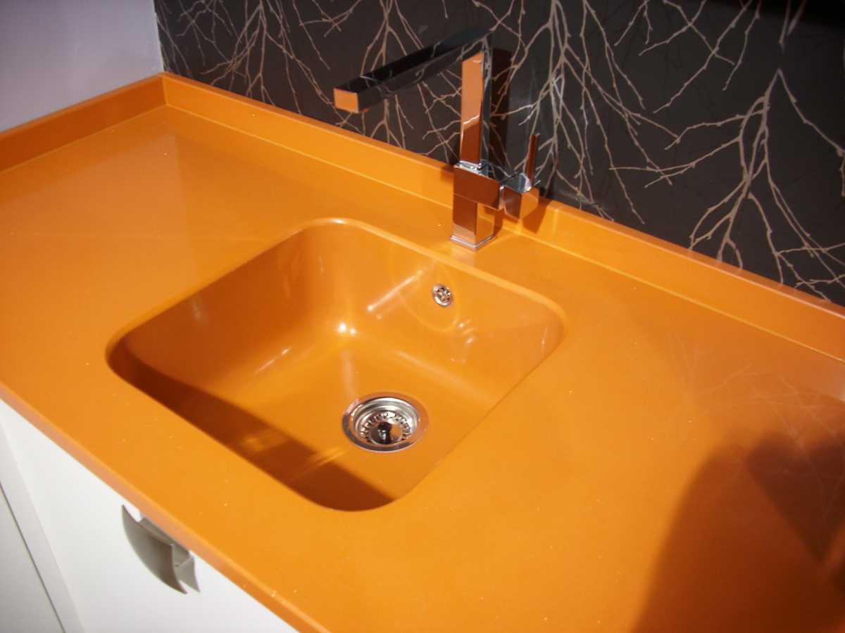 Lavabo en Compac Orange
